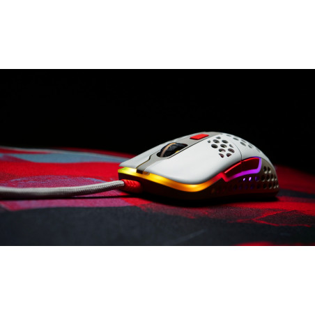 Xtrfy M42 RGB Gaming muis retro